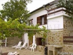 Дом в Болгария в 3 км от курорт Золотые пески