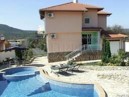 Дом до Варна с бассейн