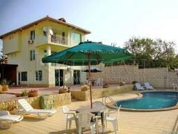 Дом с бассейн в район Галата, Варна