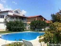 Дом с бассейном в районе Траката, в 6 км от центр Варны. - фото 2