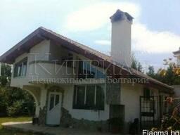 Дом с бассейном в районе Траката, в 6 км от центр Варны. - фото 3