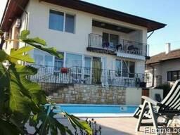 Дом в 16 км от Варна с вид на море и бассейн