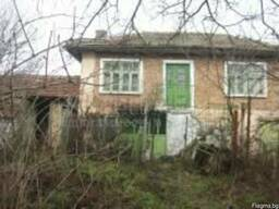 Двухэтажный дом в 20 км от Варны.