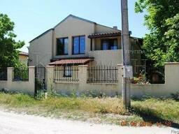 Двухэтажный дом с четырьмя спальнями в 18 км от Варны - фото 1