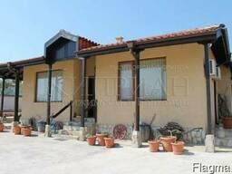 Новый полностью меблированный дом с бассейном,Варна