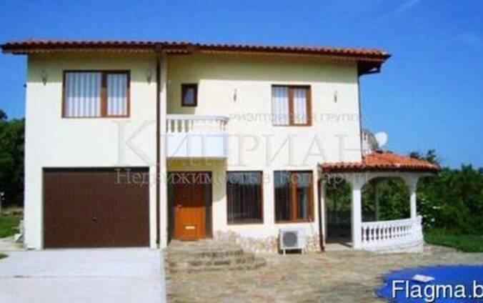 Роскошный двухэтажный дом в 18 км от Варны