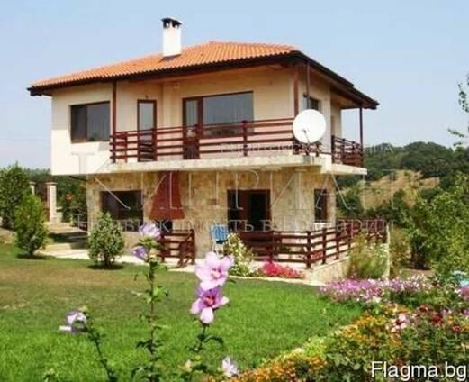 Дом в 20 км. от Варны, 4 км от моря курорта Камчия, Болгария