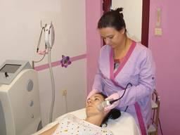 Лечение акне мезотерапией в салоне Pretty Lab