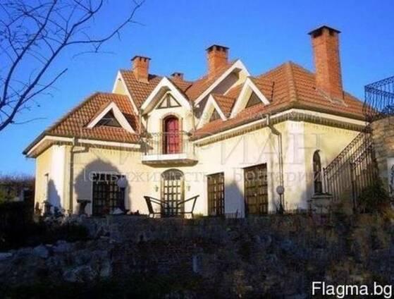 Мебелированный дом в Болгария в 4 км от моря