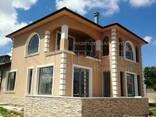 Новый двухэтажный дом и в 3 км от пляжа курорта Камчия. - фото 1