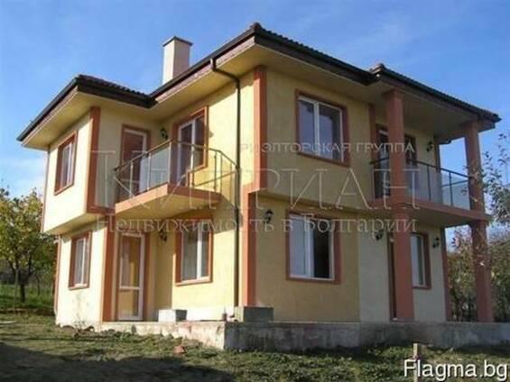 Новый двухэтажный дом в 4 км от моря и курорта Камчия